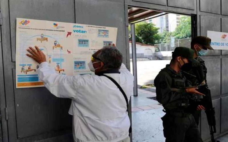 """Observatorio Electoral Venezolano sugiere explicar el """"voto cruzado"""" en megaelecciones"""