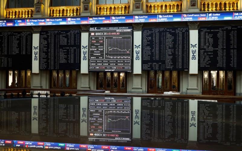 Bolsa española sube el 0,78 % y roza los 8.900 puntos