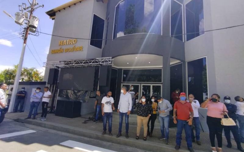 Gobierno Inauguro el teatro municipal en Pedraza