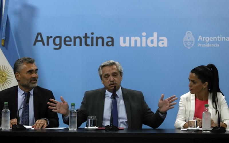 Gobierno argentino aumenta 13 % las pensiones mínimas y asignación por hijo