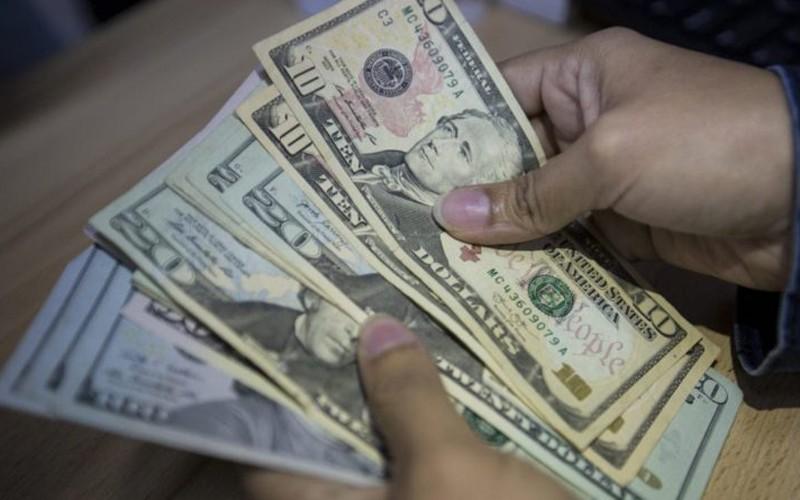 Ciudadanos consideran positiva la implementación de cuentas bancarias en divisas