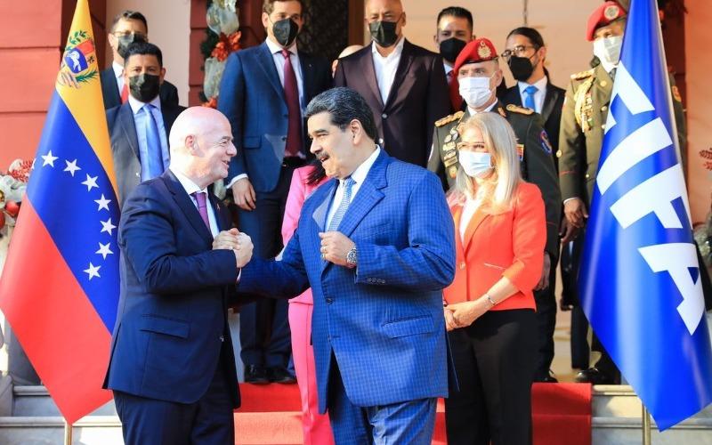 Presidente Nicolás Maduro recibió al presidente de la FIFA, Gianni Infantino