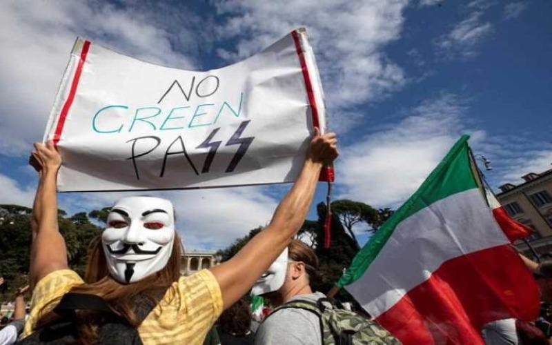"""Manifestación multitudinaria en Roma dice """"nunca más fascismo"""""""