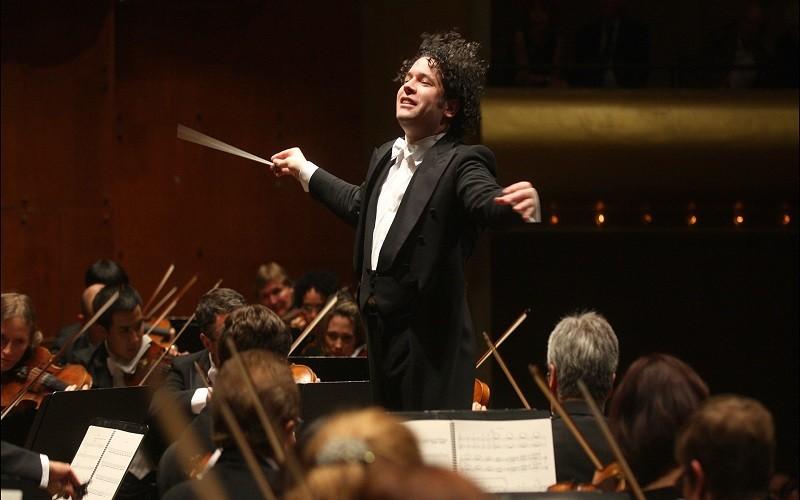 Dudamel ofreció su primer concierto como director de la Ópera de París