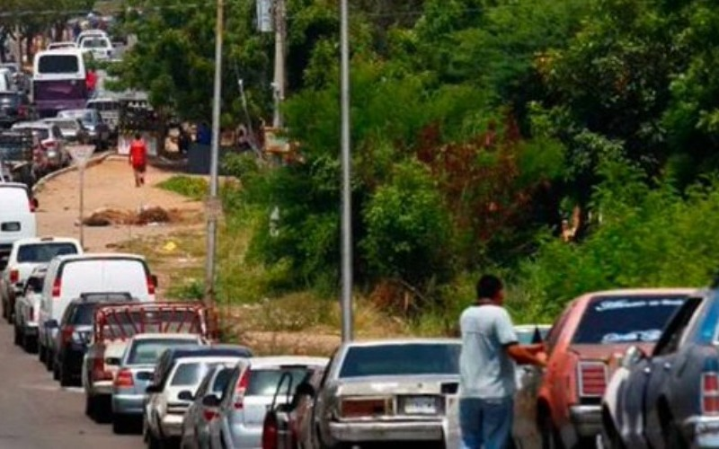 Fedecámaras Zulia informó que fue otorgado licencia para que el sector privado importe 6 millones de litros de combustible de Colombia