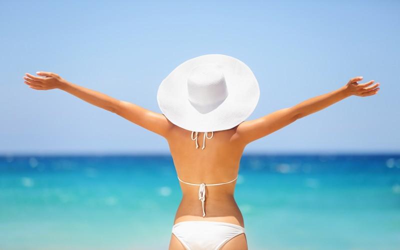 Conozca los beneficios de disfrutar un baño de playa
