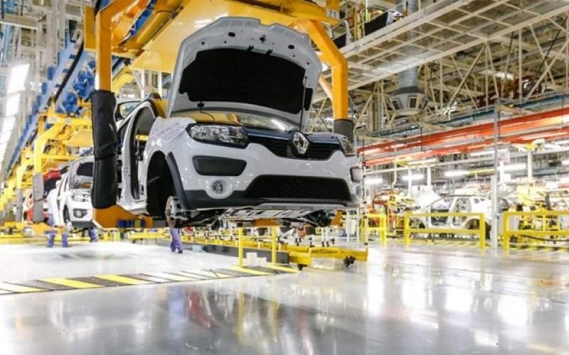 Renault podría cerrar fábricas tras primeras pérdidas en diez años