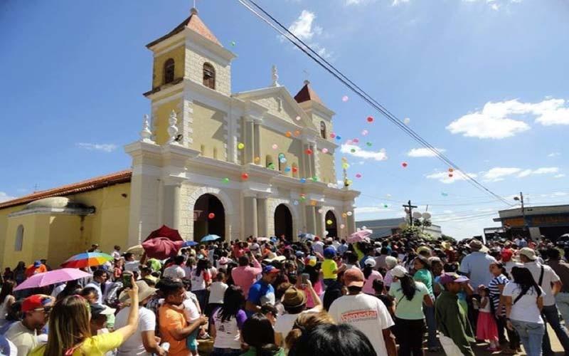Centenario Cristo de la Salud recorrió calles de Zaraza